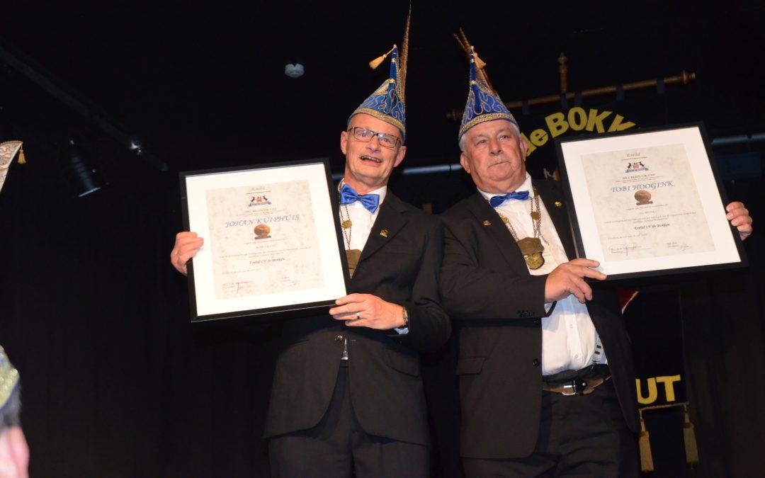 Johan Kuiphuis en Tobi Hoogink benoemd tot Ereleden van Carnavalsvereniging de Bokken