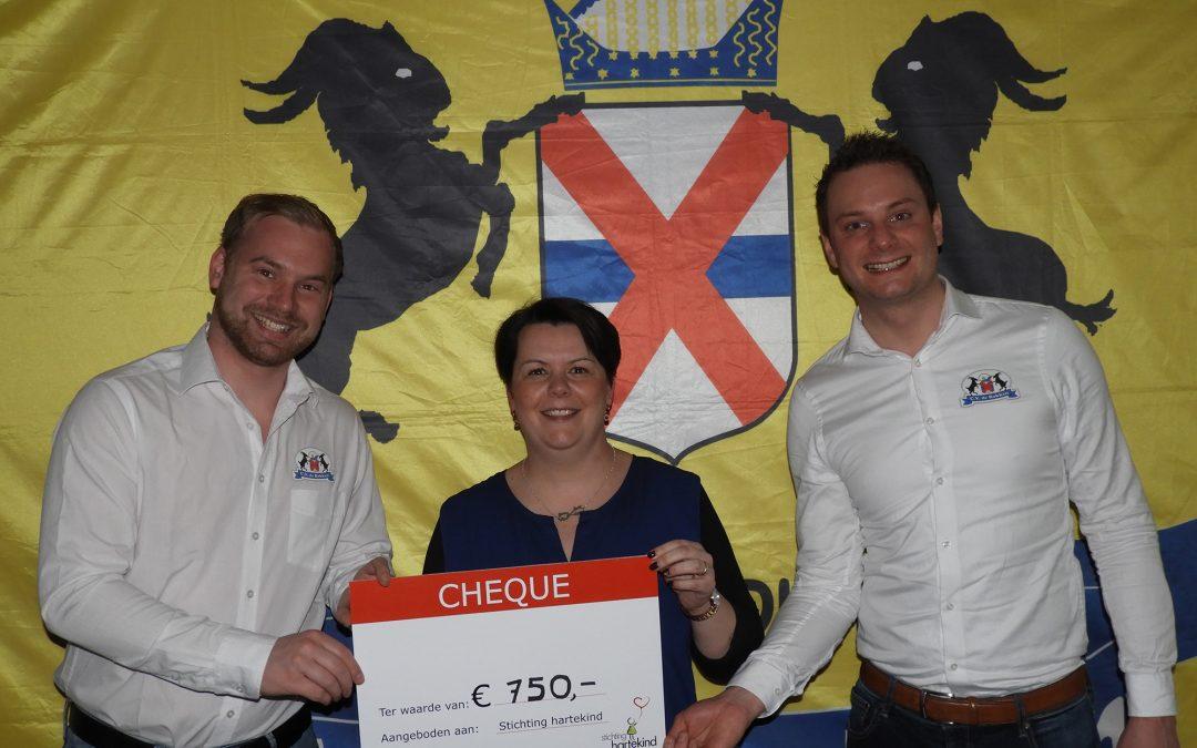 Bokken doneren 750 euro aan stichting Hartekind